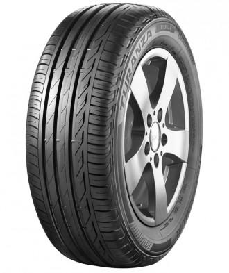 Diagonalansicht des Bridgestone Turanza T001 Reifens